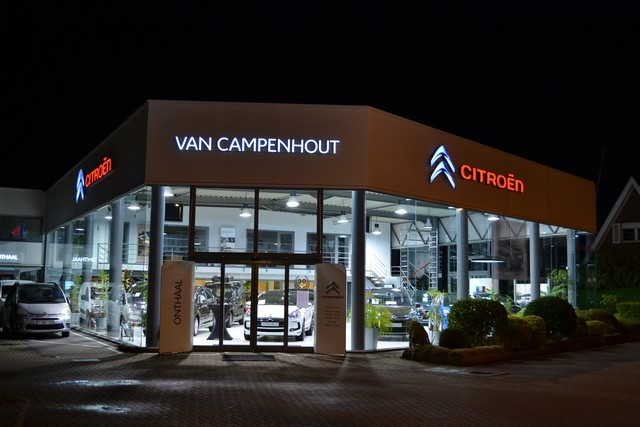 citroen-vancampenhout-photos-garage-nuit-1.jpg